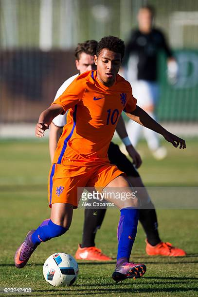 Donyell Malen of Netherlands controls the ball during the U18 international friendly match between Netherlands and Germany on November 14 2016 in...