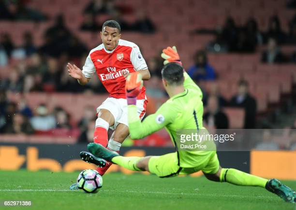 Donyell Malen scores a goal for Arsenal past Arijanet Muric of Man City during match between Arsenal and Manchester City at Emirates Stadium on March...