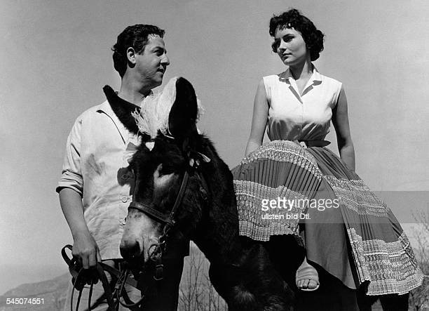 Dor Karin Actress Germany * Scene from the movie 'Santa Lucia' with Vico Torriani Directed by Werner Jacobs West Germany 1956 Produced by Willy...