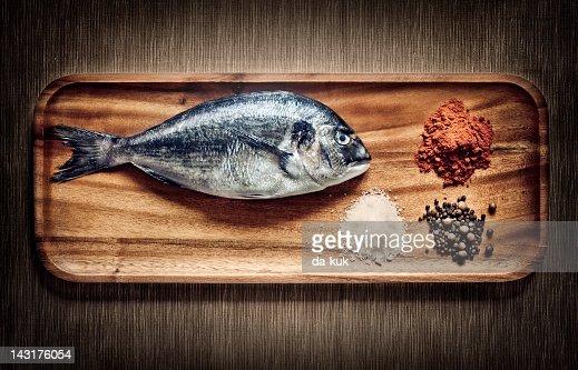 Dorado with spices