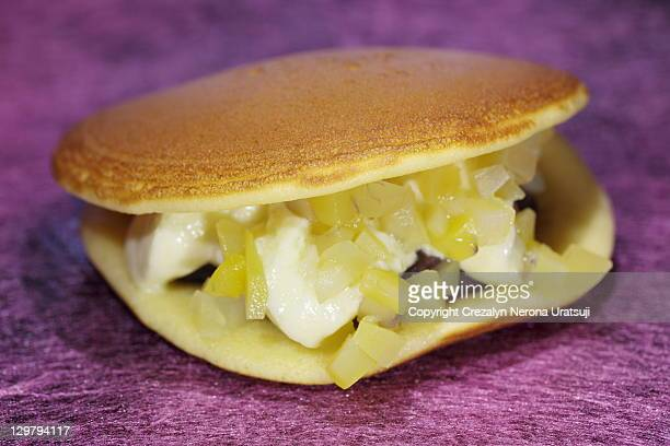 Dorayaki (red bean pancake)