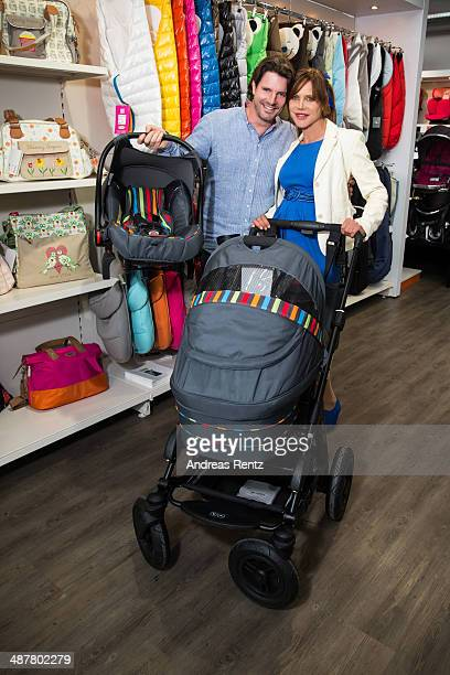 Doreen Dietel and partner Tobias Guttenberg shopping for their baby on April 28 2014 in Munich Germany Actress Doreen Dietel is expecting her first...