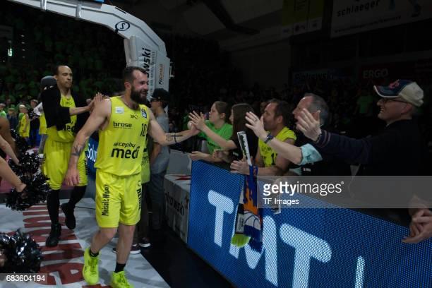 Doreth bastian of medi bayreuth shakes hands during the easyCredit BBL match between medi bayreuth and EWE Baskets Oldenburg at Oberfrankenhalle on...