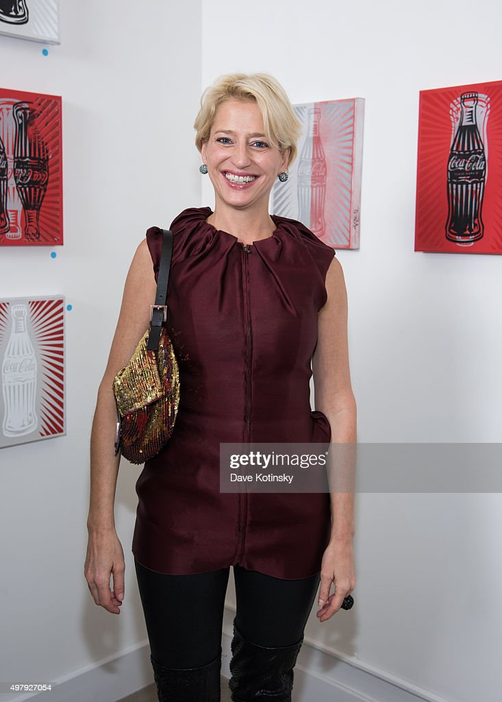 Dorinda Medley attends the Sheila Rosenblum Resident Magazine Cover Party at Soho Contemporary Art Gallery on November 19, 2015 in New York City.