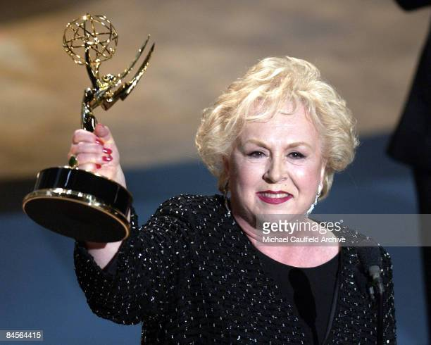 Doris Roberts accepts her award for Best Supporting Actress in a Comedy Series during the 53rd Annual Primetime Emmy Awards