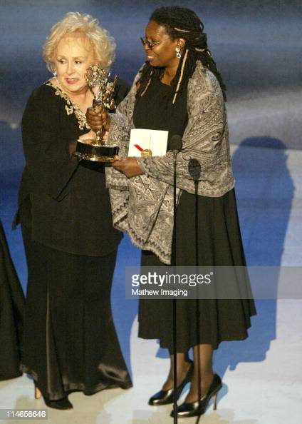 Doris Roberts of 'Everyone Loves Raymond' winner Outstanding Comedy Series with Whoopi Goldberg presenter