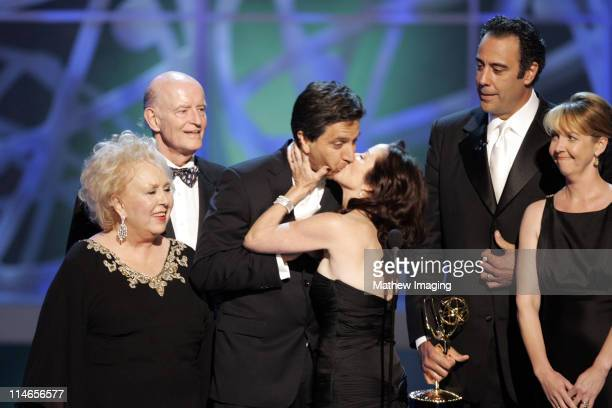 Doris Roberts Peter Boyle Ray Romano Patricia Heaton and Brad Garrett of 'Everyone Loves Raymond' presenters Outstanding Writing of a Variety Music...