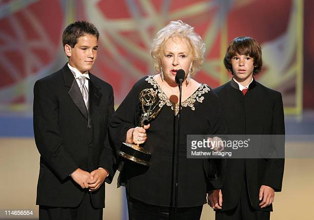 Doris Roberts winner Outstanding Supporting Actress In A Comedy Series for 'Everyone Loves Raymond' with her grandsons