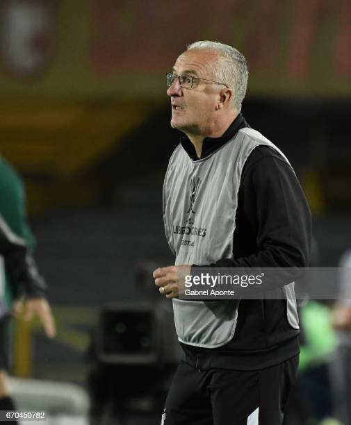 Dorival Junior coach of Santos looks on during a group stage match between Independiente Santa Fe v Santos as part of Copa CONMEBOL Libertadores...