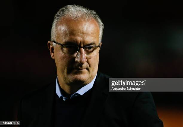 Dorival Junior head coach of Sao Paulo in action during the match between Sao Paulo and Vasco for the Brasileirao Series A 2017 at Morumbi Stadium on...