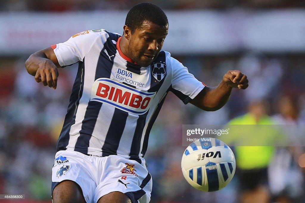 Dorlan Pabon of Monterrey tries to control the ball during a match between Queretaro and Monterrey as part of 7th round Apertura 2014 Liga MX at Corregidora Stadium on August 29, 2014 in Queretaro, Mexico.