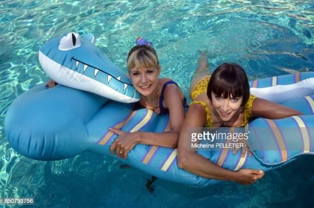 Dorothée et Ariane Carletti en vacances le 17 juin 1988 à La Baule France