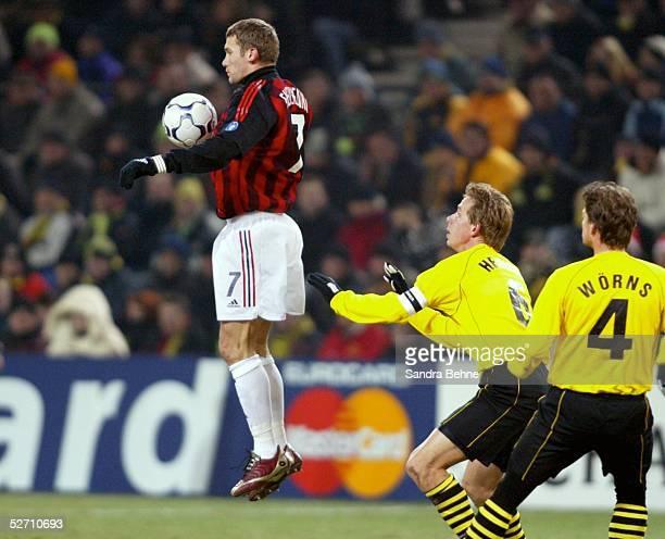 LEAGUE 02/03 Dortmund BORUSSIA DORTMUND AC MAILAND 01 Andrej SCHEWTSCHENKO/AC MAILAND Joerg HEINRICH Christian WOERNS/BORUSSIA DORTMUND