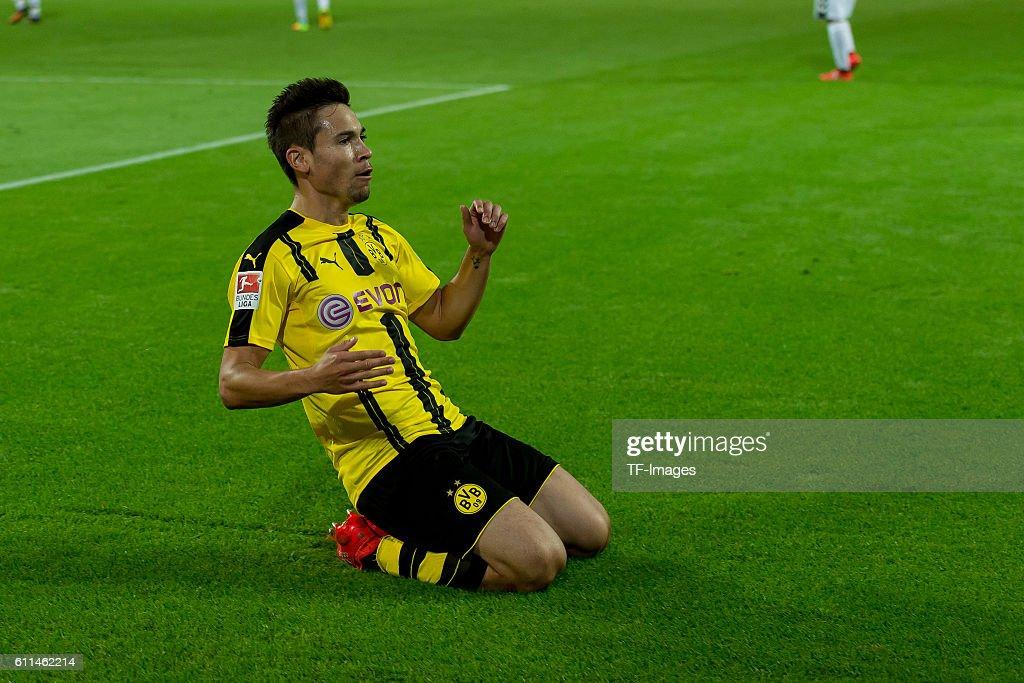 1.BL: BV Borussia Dortmund - SC Freiburg : News Photo