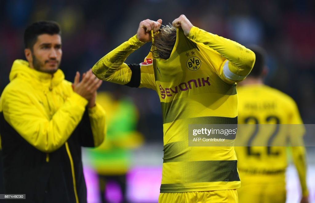 FBL-GER-BUNDESLIGA-HANOVER-DORTMUND : News Photo