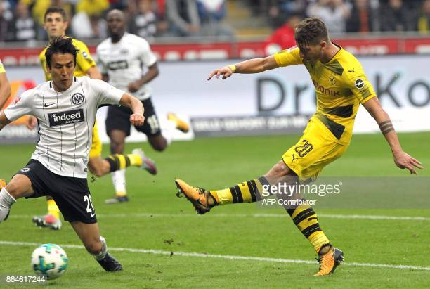 Dortmund's German forward Maximilian Philipp scores a goal during the German First division Bundesliga football match Eintracht Frankfurt vs Borussia...