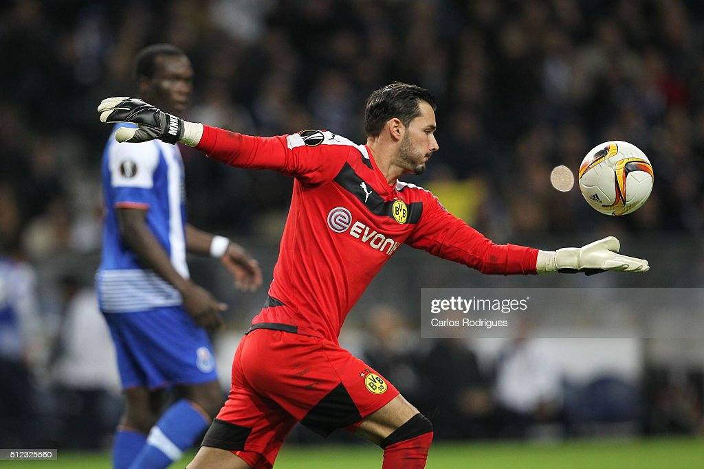 Dortmund's goalkeeper Roman Burki during the Champions League match between FC Porto and Borussia Dortmund for UEFA Europa League Round of 32: Second Leg at Estadio do Dragao on February, 2016 in Porto, Portugal.