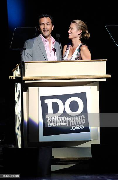 DoSomething founder Andrew Shue and wife 'Today Show' correspondent Amy Robach attend DoSomethingorg's celebration of the 2010 Do Something Award...