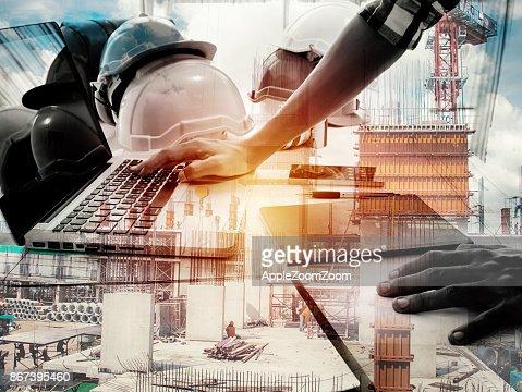 이중 노출 건축가 노트북 및 건축 계획, 선택적 초점, 사업 개념에 대 한 직장에서 청사진 : 스톡 사진