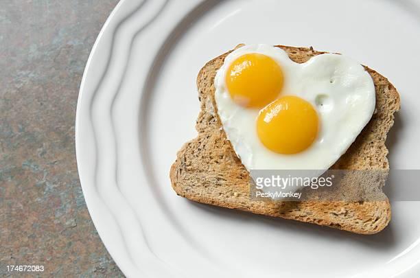 Doppelbetten auf Toast, Egg Yolk