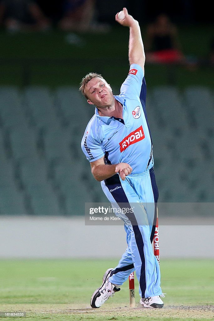 <a gi-track='captionPersonalityLinkClicked' href=/galleries/search?phrase=Doug+Bollinger+-+Cricket+Player&family=editorial&specificpeople=724794 ng-click='$event.stopPropagation()'>Doug Bollinger</a> of the Blues bowls during the Ryobi One Day Cup match between the South Australian Redbacks and the New South Wales Blues at Adelaide Oval on February 17, 2013 in Adelaide, Australia.