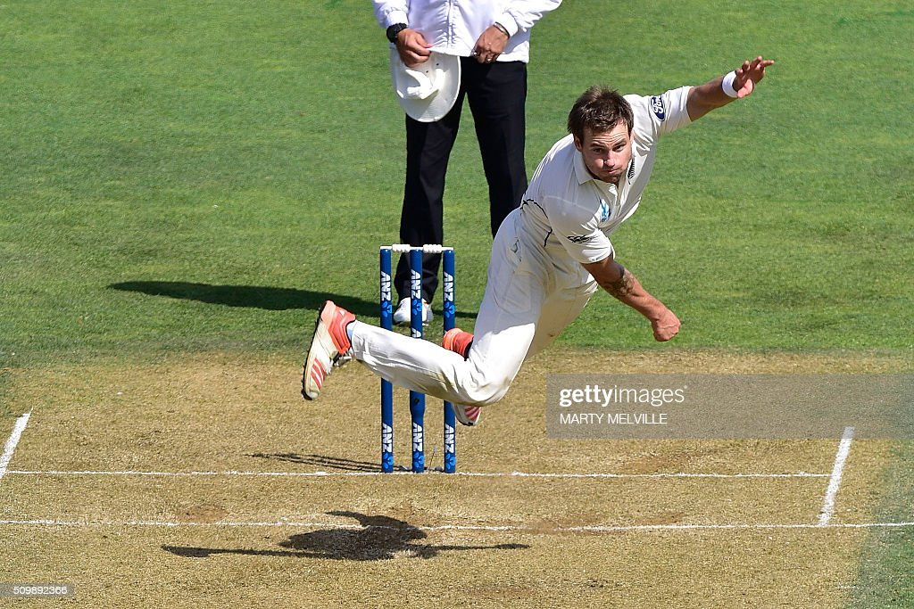 Doug Bracewell of New Zealand bowls during day two of the first cricket Test match between New Zealand and Australia at the Basin Reserve in Wellington on February 13, 2016. AFP PHOTO / MARTY MELVILLE / AFP / Marty Melville