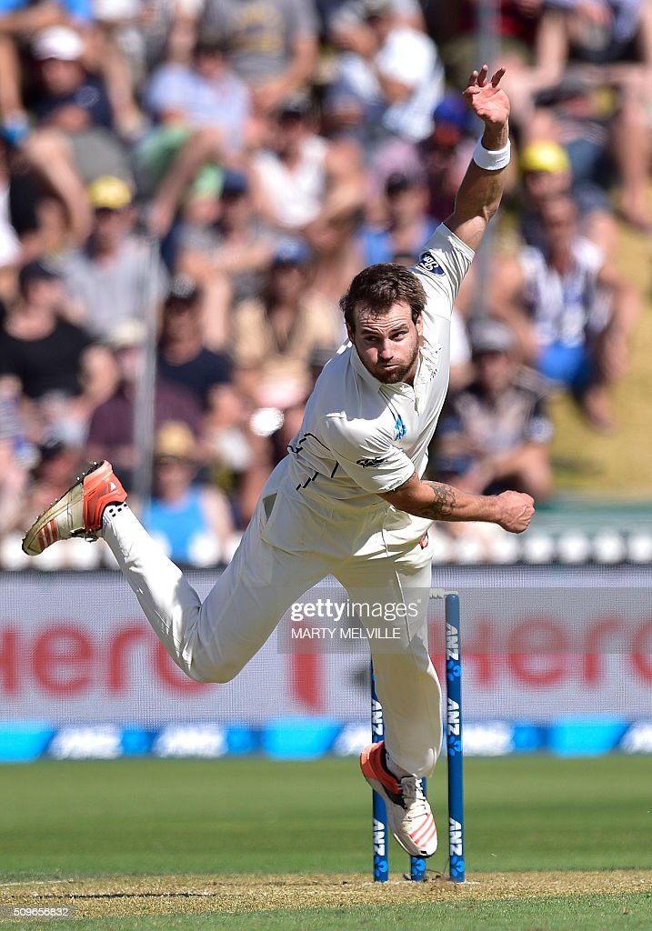 Doug Bracewell of New Zealand bowls during the first cricket Test match between New Zealand and Australia at the Basin Reserve in Wellington on February 12, 2016. AFP PHOTO / MARTY MELVILLE / AFP / Marty Melville
