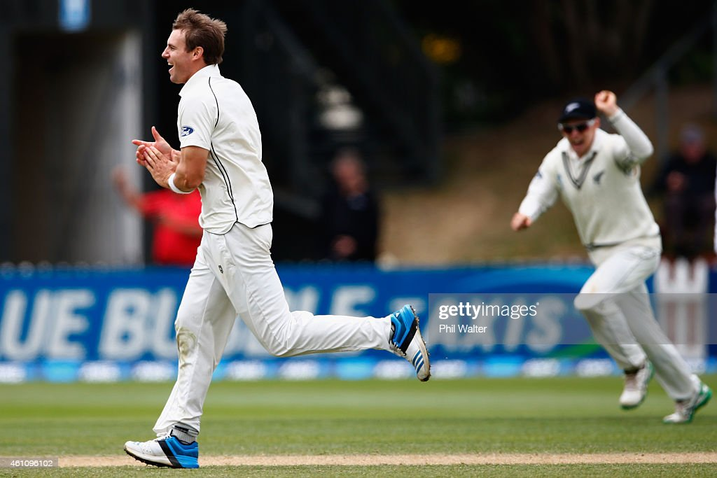 <a gi-track='captionPersonalityLinkClicked' href=/galleries/search?phrase=Doug+Bracewell&family=editorial&specificpeople=6680321 ng-click='$event.stopPropagation()'>Doug Bracewell</a> of New Zealand celebrates his wicket of Angelo Mathews of Sri Lanka caught by Kane Williamson during day five of the Second Test match between New Zealand and Sri Lanka at Basin Reserve on January 7, 2015 in Wellington, New Zealand.
