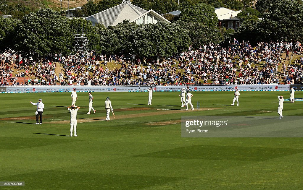 <a gi-track='captionPersonalityLinkClicked' href=/galleries/search?phrase=Doug+Bracewell&family=editorial&specificpeople=6680321 ng-click='$event.stopPropagation()'>Doug Bracewell</a> of New Zealand reacts after bowling <a gi-track='captionPersonalityLinkClicked' href=/galleries/search?phrase=Adam+Voges&family=editorial&specificpeople=724770 ng-click='$event.stopPropagation()'>Adam Voges</a> of Australia off a no ball during day one of the Test match between New Zealand and Australia at Basin Reserve on February 12, 2016 in Wellington, New Zealand.
