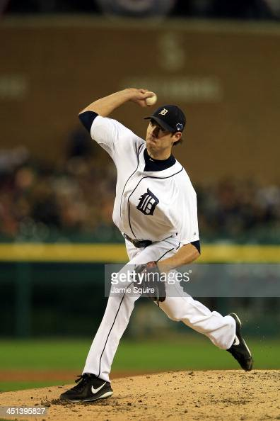 Doug Fister of the Detroit Tigers pitches against the Boston Red Sox during Game Four of the American League Championship Series at Comerica Park on...