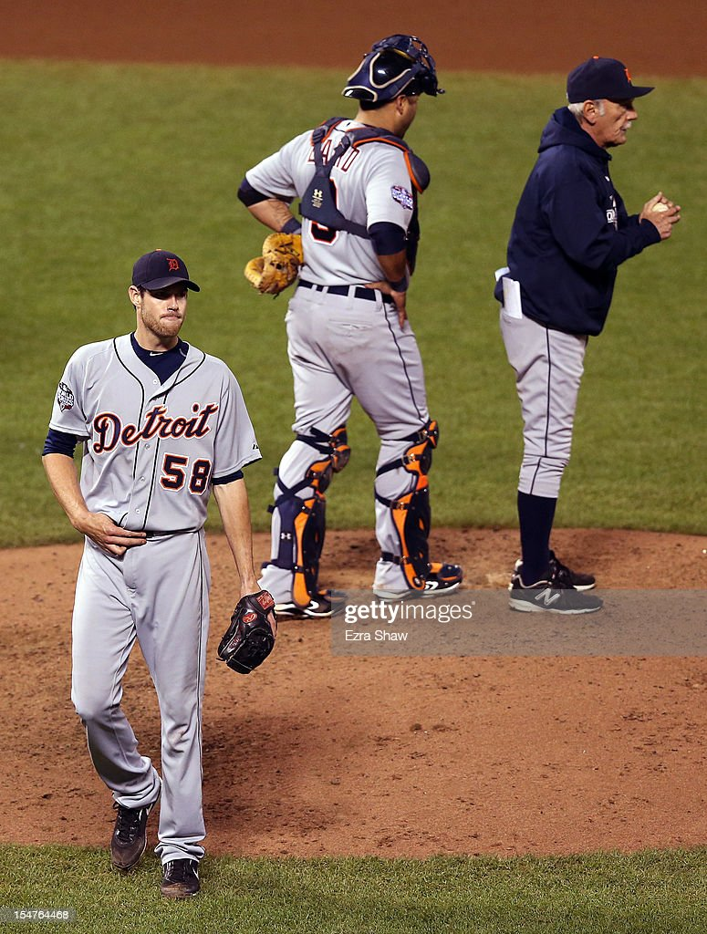 Doug Fister #58 of the Detroit Tigers walks to the dugout after he was taken out of the game in the seventh inning by manager Jim Leyland (R) against the San Francisco Giants during Game Two of the Major League Baseball World Series at AT&T Park on October 25, 2012 in San Francisco, California.
