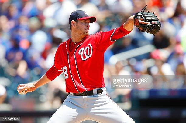 Doug Fister of the Washington Nationals pitches in the second inning against the New York Mets at Citi Field on May 3 2015 in the Flushing...
