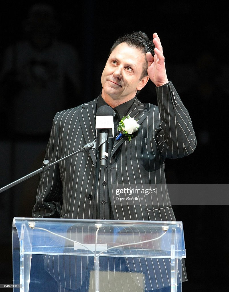 Doug Gilmour salutes the crowd as he has his #93 jersey raised to the rafters prior to the Toronto Maple Leafs facing the Pittsburgh Penguins during their NHL game at the Air Canada Centre January 31, 2009 in Toronto, Canada.