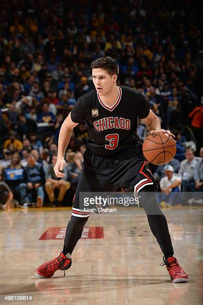Doug McDermott of the Chicago Bulls during the game against the Golden State Warriors on November 20 2015 at ORACLE Arena in Oakland California NOTE...
