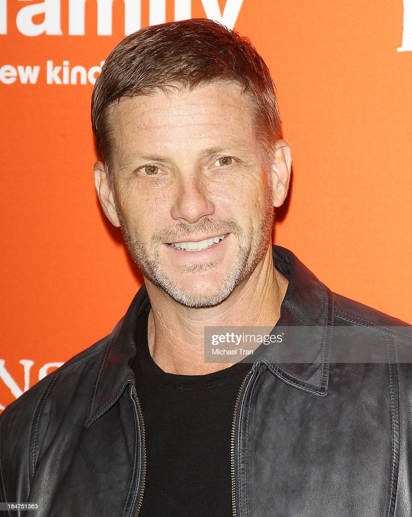 <a gi-track='captionPersonalityLinkClicked' href=/galleries/search?phrase=Doug+Savant&family=editorial&specificpeople=693345 ng-click='$event.stopPropagation()'>Doug Savant</a> arrives at the 'Pretty Little Liars' celebrates Halloween episode held at Hollywood Forever on October 15, 2013 in Hollywood, California.