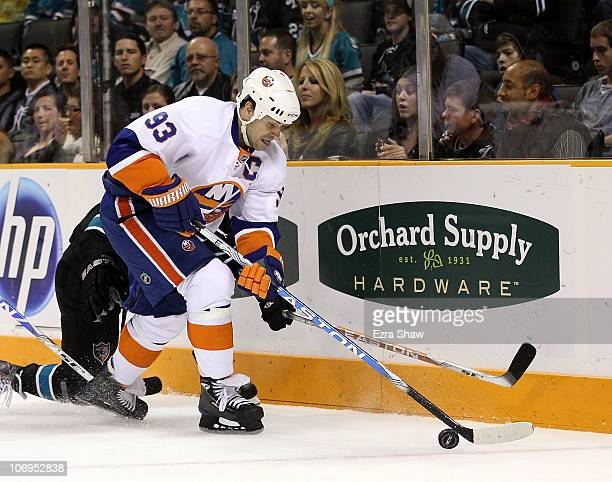 Doug Weight of the New York Islanders in action against the San Jose Sharks on November 11 2010 in San Jose California