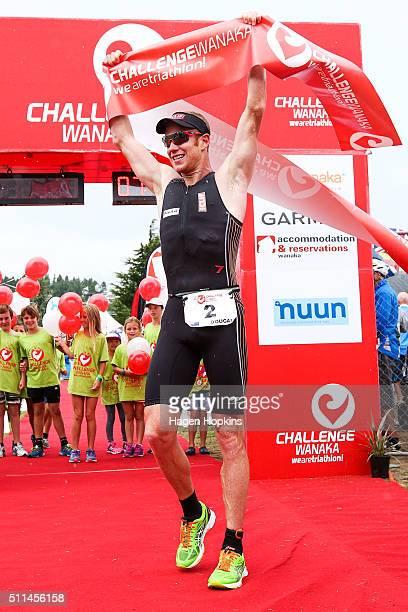 Dougal Allan of New Zealand celebrates after winning the 2016 Challenge Wanaka on February 20 2016 in Wanaka New Zealand