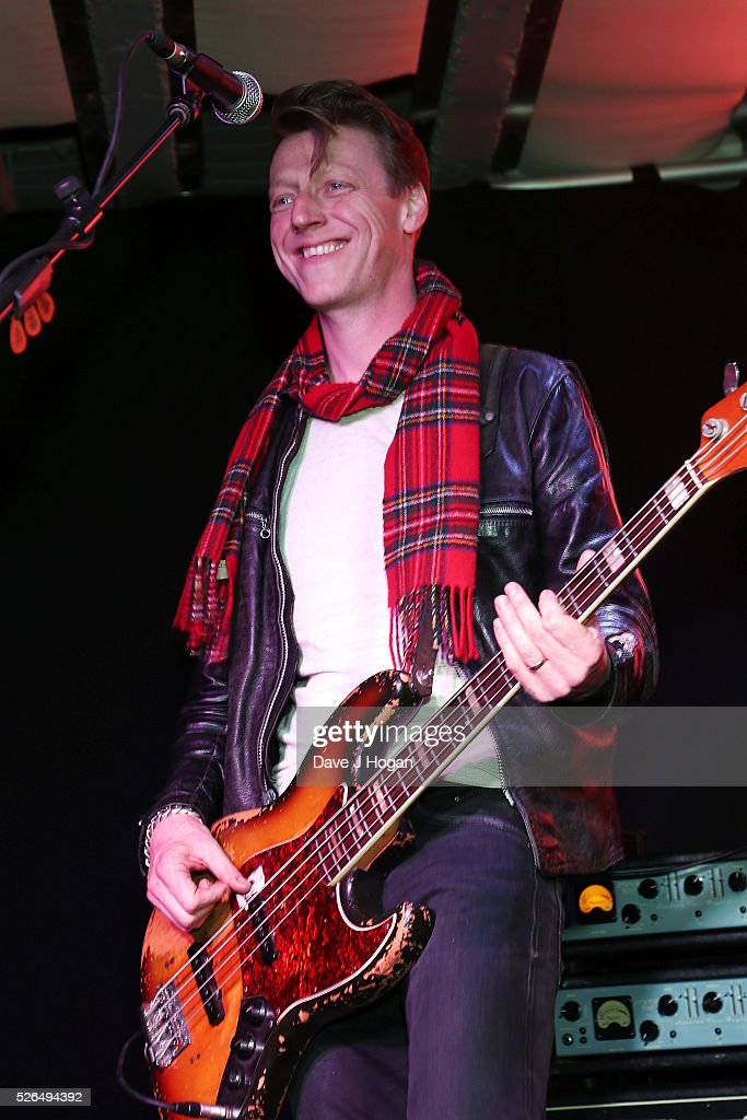 <a gi-track='captionPersonalityLinkClicked' href=/galleries/search?phrase=Dougie+Payne&family=editorial&specificpeople=2212081 ng-click='$event.stopPropagation()'>Dougie Payne</a> of Travis performs songs from the new album 'Everything At Once' at HMV Oxford Street on April 30, 2016 in London, England.