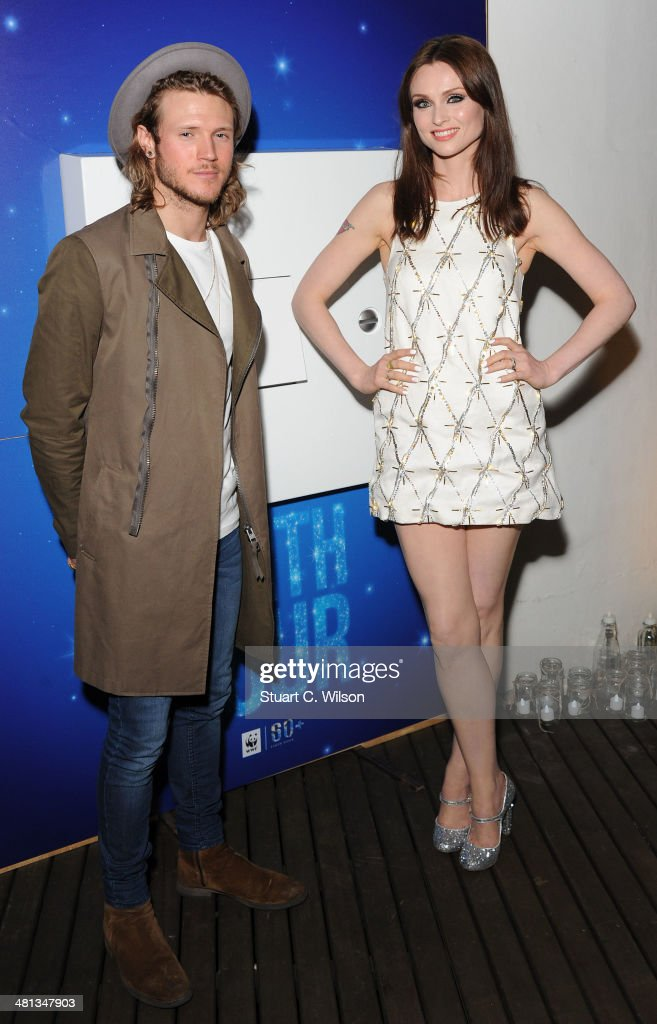 <a gi-track='captionPersonalityLinkClicked' href=/galleries/search?phrase=Dougie+Poynter&family=editorial&specificpeople=214057 ng-click='$event.stopPropagation()'>Dougie Poynter</a> and Sophie Ellis Bextor pose at the WWF Earth Hour at Southbank Centre on March 29, 2014 in London, England.