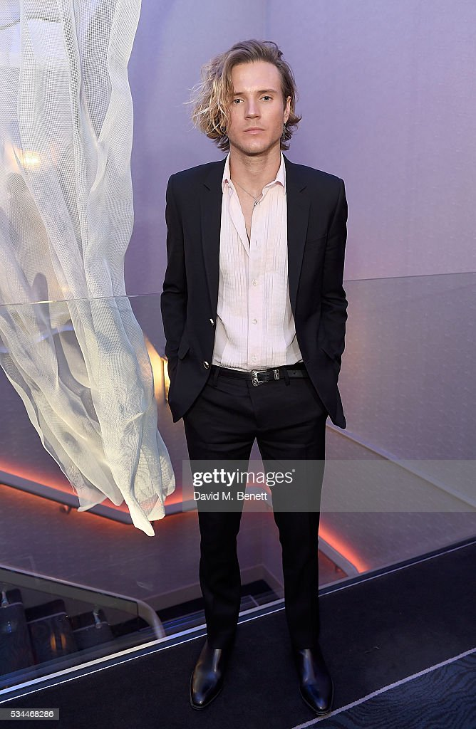 <a gi-track='captionPersonalityLinkClicked' href=/galleries/search?phrase=Dougie+Poynter&family=editorial&specificpeople=214057 ng-click='$event.stopPropagation()'>Dougie Poynter</a> arrives at the WGSN Futures Awards 2016 on May 26, 2016 in London, England.