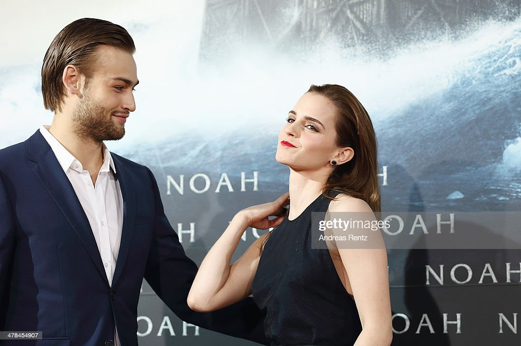 <a gi-track='captionPersonalityLinkClicked' href=/galleries/search?phrase=Douglas+Booth&family=editorial&specificpeople=6324411 ng-click='$event.stopPropagation()'>Douglas Booth</a> and <a gi-track='captionPersonalityLinkClicked' href=/galleries/search?phrase=Emma+Watson&family=editorial&specificpeople=171373 ng-click='$event.stopPropagation()'>Emma Watson</a> attend the premiere of Paramount Pictures' 'NOAH' at Zoo Palast on March 13, 2014 in Berlin, Germany.