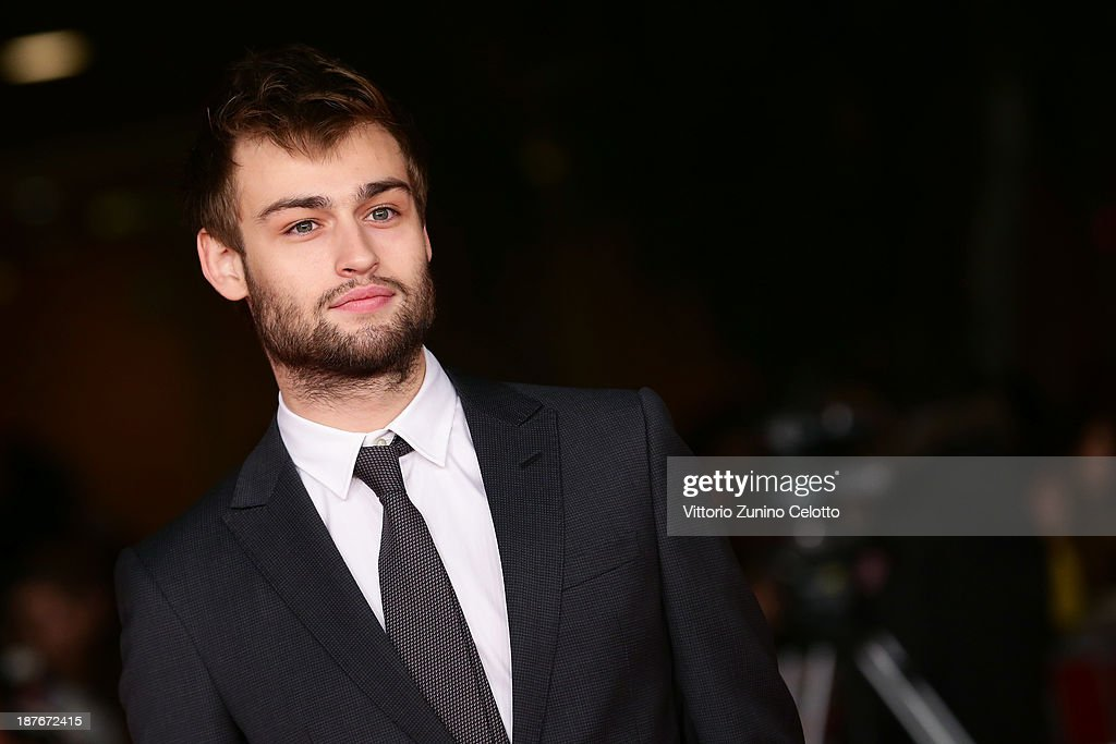 <a gi-track='captionPersonalityLinkClicked' href=/galleries/search?phrase=Douglas+Booth&family=editorial&specificpeople=6324411 ng-click='$event.stopPropagation()'>Douglas Booth</a> attends 'Romeo And Juliet' Premiere during The 8th Rome Film Festival at Auditorium Parco Della Musica on November 11, 2013 in Rome, Italy.