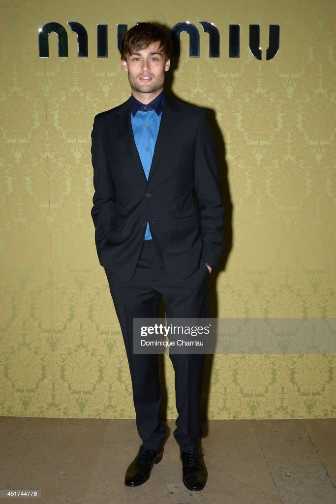 <a gi-track='captionPersonalityLinkClicked' href=/galleries/search?phrase=Douglas+Booth&family=editorial&specificpeople=6324411 ng-click='$event.stopPropagation()'>Douglas Booth</a> attends the Miu Miu Resort Collection 2015 at Palais d'Iena on July 5, 2014 in Paris, France.