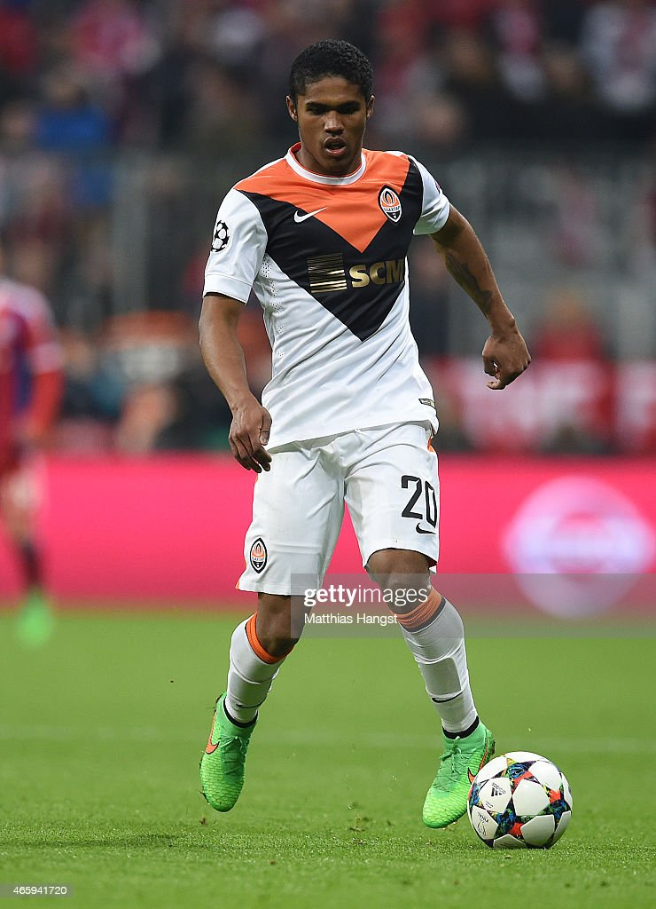 Douglas Cost of Donetsk controls the ball during the UEFA Champions League Round of 16 second leg match between FC Bayern Muenchen and FC Shakhtar...