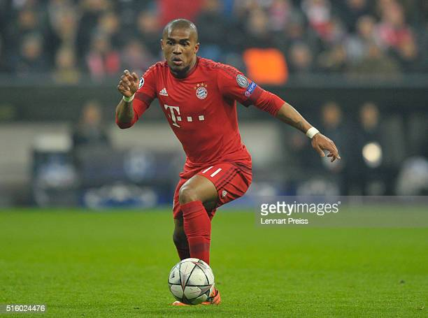 Douglas Costa of Bayern Muenchen in action during the UEFA Champions League Round of 16 second leg match between FC Bayern Muenchen and Juventus...
