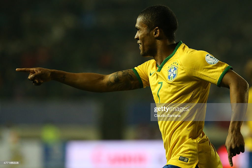 Brazil v Peru: Group C - 2015 Copa America Chile