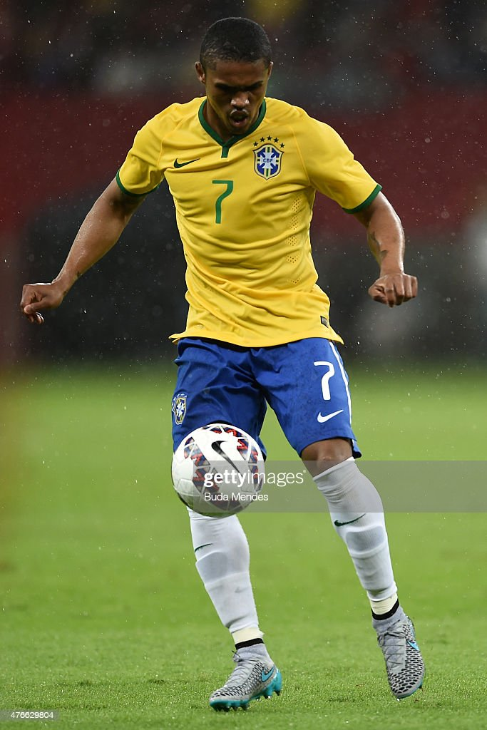 Douglas Costa of Brazil plays the ball during the International Friendly Match between Brazil and Honduras at Beira Rio Stadium on June 10 2015 in...