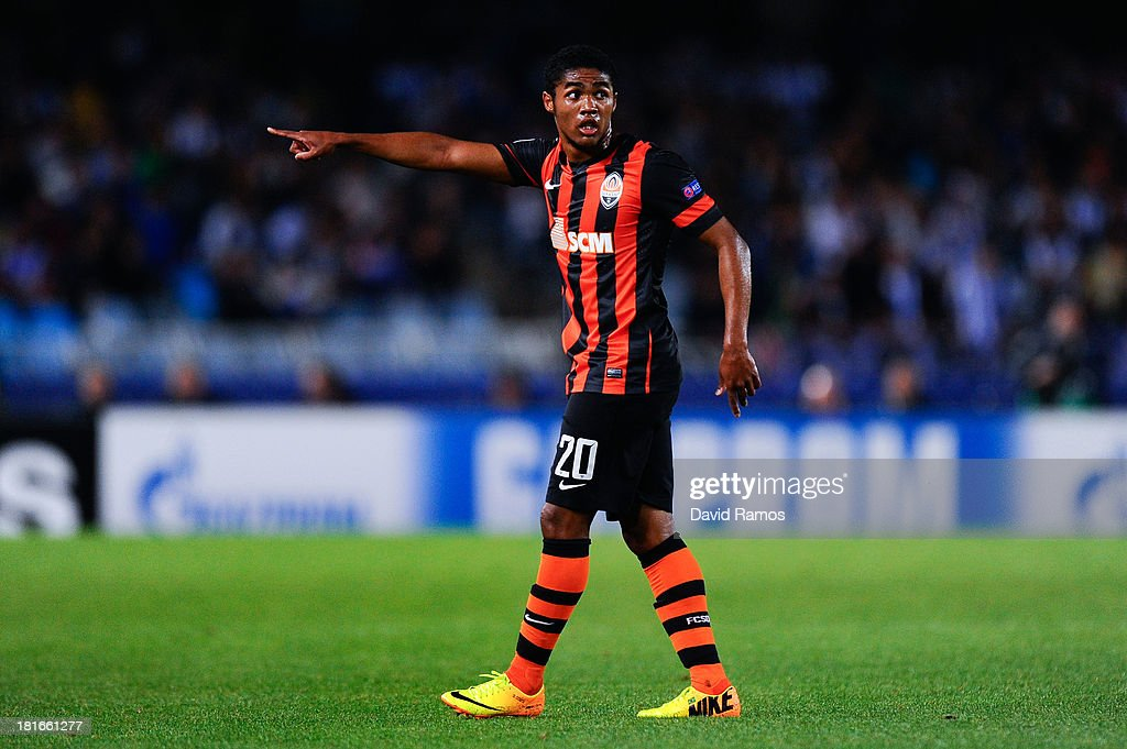 Douglas Costa of FC Shakhtar Donetsk reacts during the UEFA Champions League Group A match between Real Sociedad de Futbol and FC Shakhtar Donetsk on...