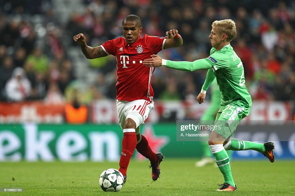 FC Bayern Muenchen v PSV Eindhoven - UEFA Champions League : News Photo