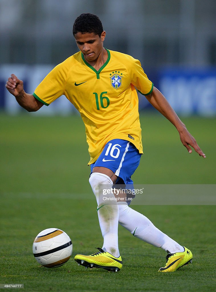 Douglas Santos of Brazil during the Toulon Tournament Group B match between Brazil and Qatar at the Leo Legrange Stadium on May 30, 2014 in Toulon, France.